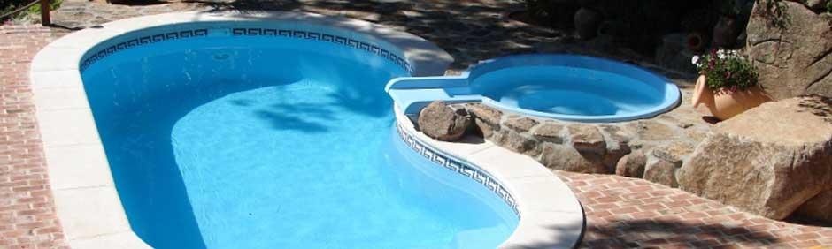 Loser piscinas piscinas de poliester accesorios e for Modelos piscinas prefabricadas